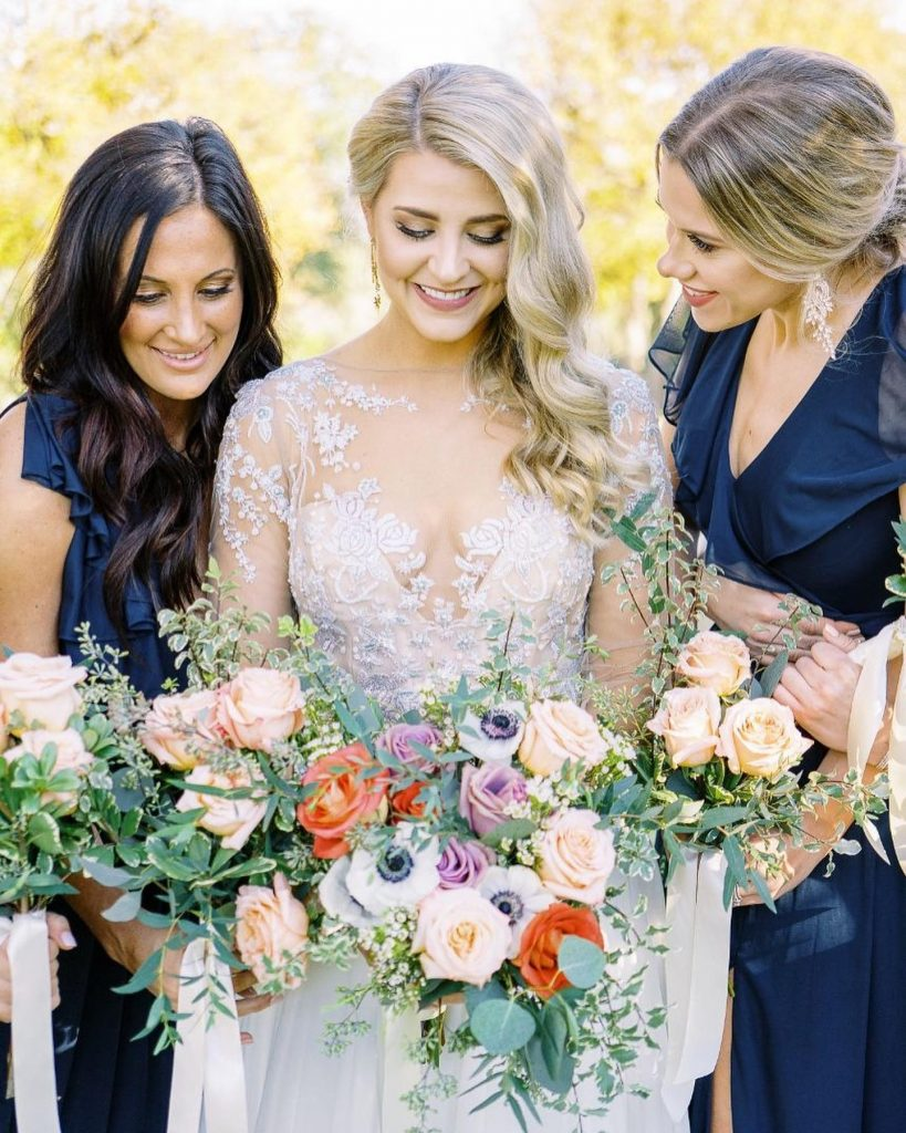 Dana + Cody's tasteful fall weddings is making us long for sweater weather! Rustic and oh-so-romantic, we just couldn't help