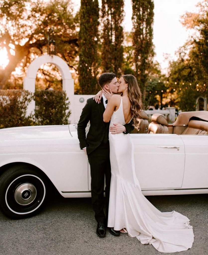 Want a sweet escape? elegantlimousine has you covered! With getaway cars suited for your love story, you'll be off with
