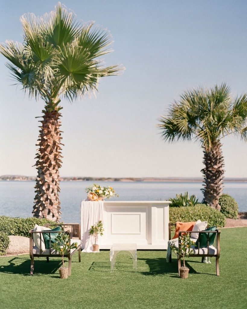 Set along the panoramic shore of beautiful Lake LBJ, hsbresort is the perfect waterfront wedding spot for laid-back couples looking