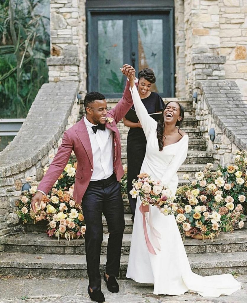 Pause all current conversations and pay attention to this southwest chic styled shoot that deserves all the awe. Delicate details