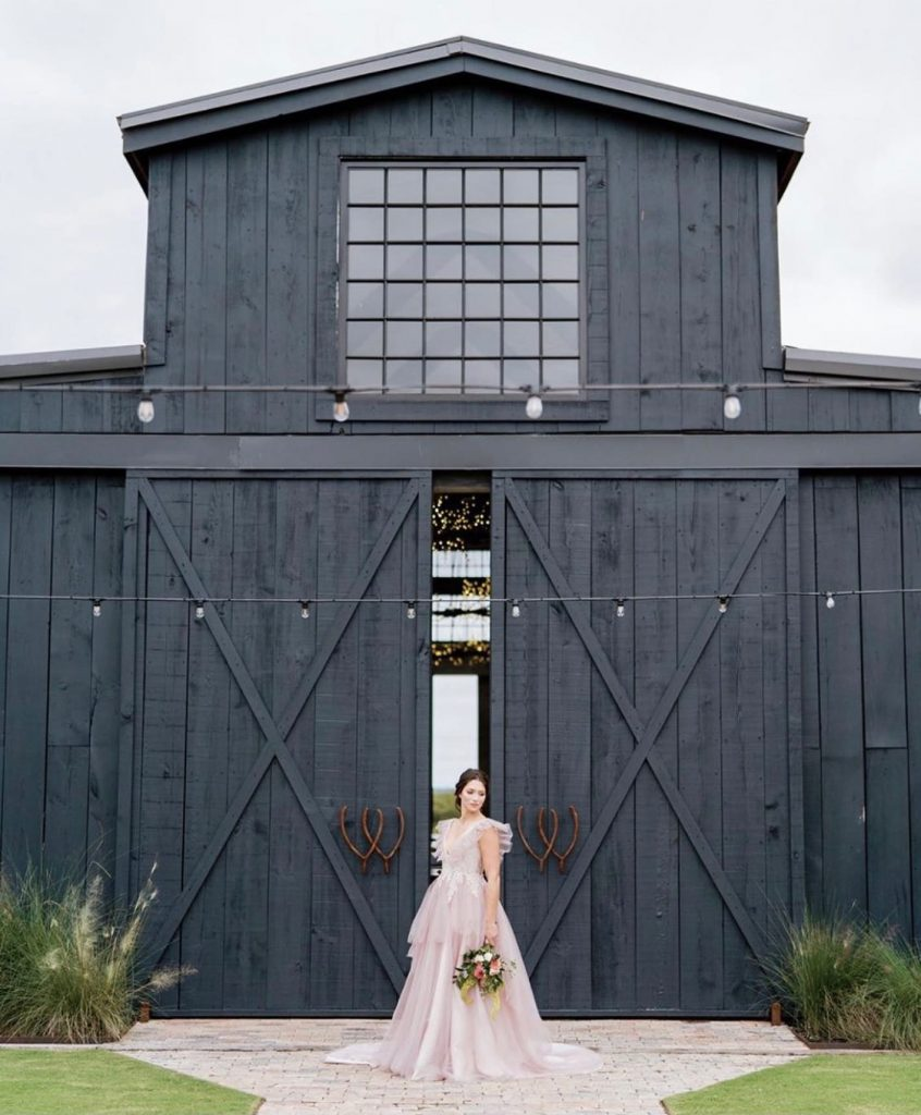 If you wish upon a star, you might just end up with this dreamy styled shoot at twowishesranchevents! ??The moody
