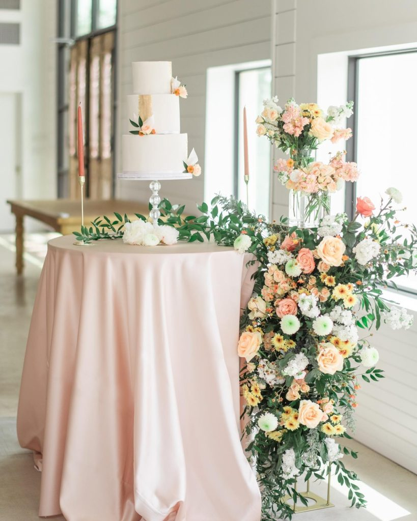 """From Norma with embellished_event_planning: """"My vision was to bring in the neutrals of a warm desert evening: bringing some soft"""